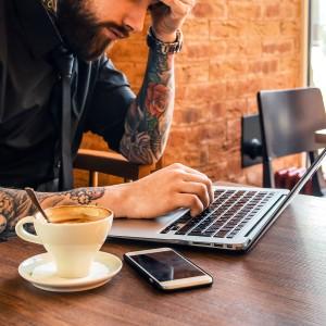 ノマドは場所や時間に縛られずにカフェで仕事をするのか!?