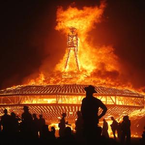 バーニングマン。7日間だけ開かれる参加者全員の自立が求められる砂漠のフェスティバル